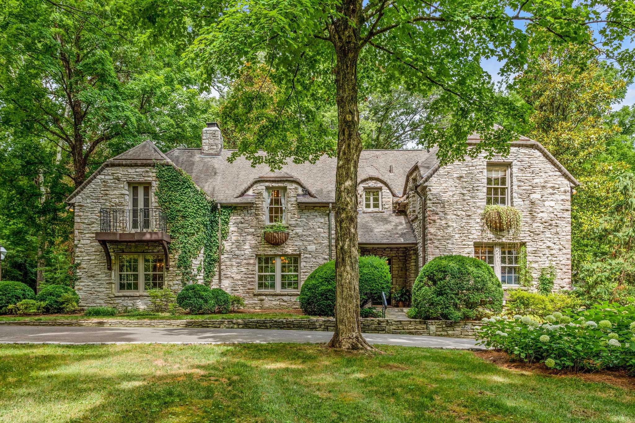 $2,750,000 - 3Br/4Ba -  for Sale in Belle Meade, Nashville
