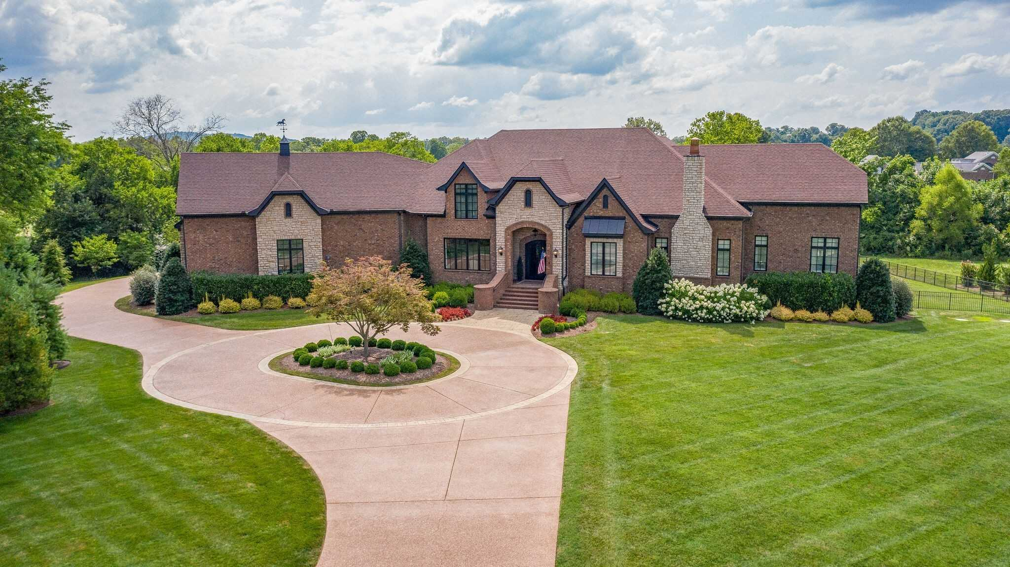 $2,699,000 - 4Br/5Ba -  for Sale in Rosemont, Franklin