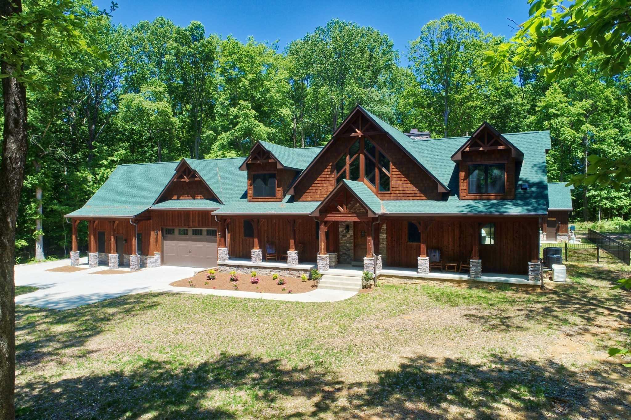 $1,300,000 - 4Br/5Ba -  for Sale in None, White House