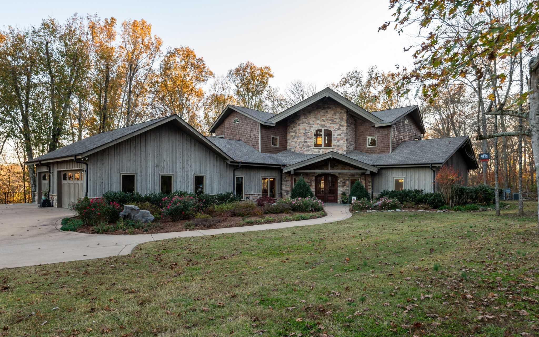 $1,950,000 - 3Br/3Ba -  for Sale in Wolfard Property, Castalian Springs