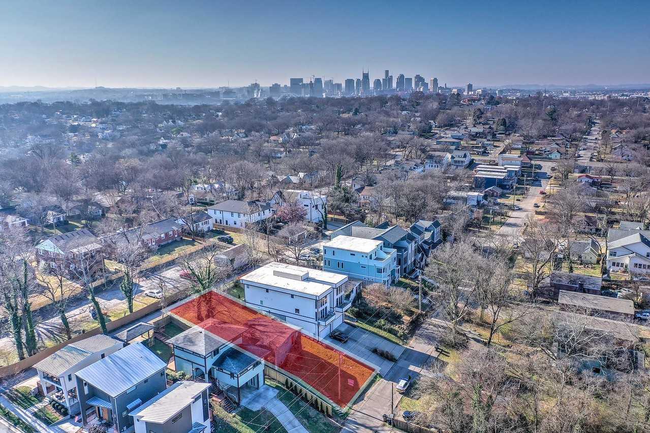 - 3Br/1Ba -  for Sale in Lindsley Home Place, Nashville