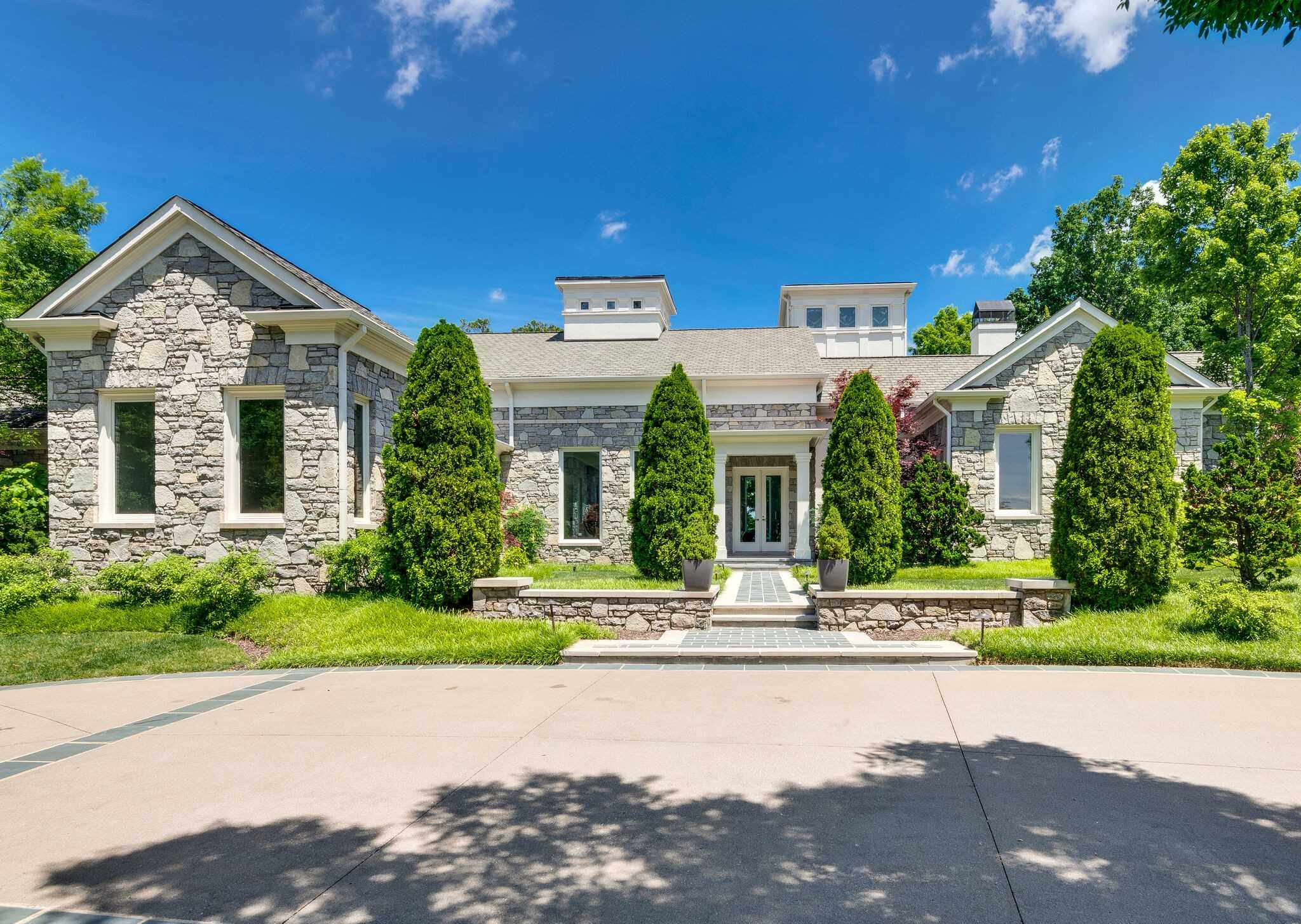 $4,250,000 - 4Br/7Ba -  for Sale in Governors Club The Ph 2, Brentwood