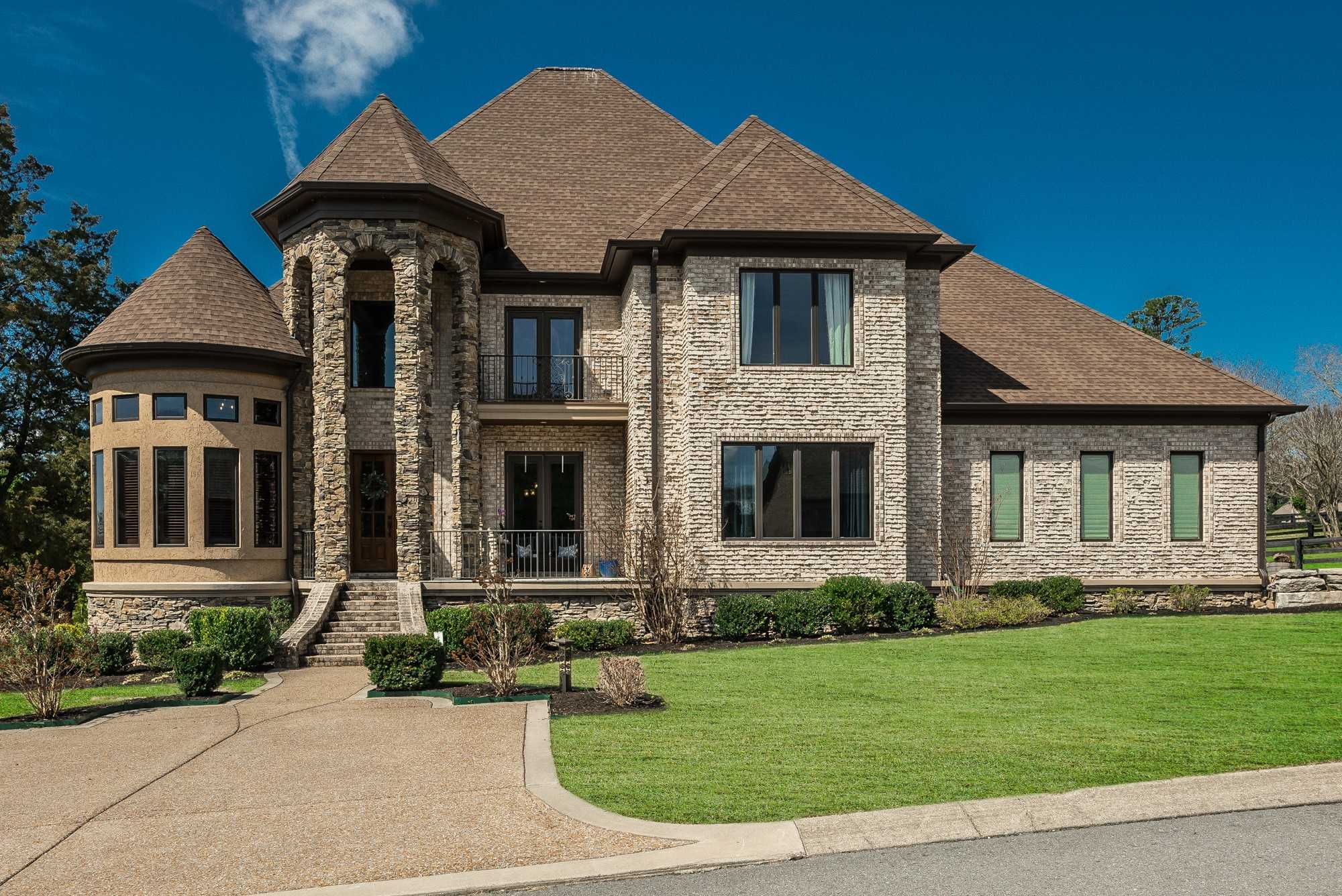 $1,025,000 - 5Br/5Ba -  for Sale in Emerald Point Phase 1, Gallatin