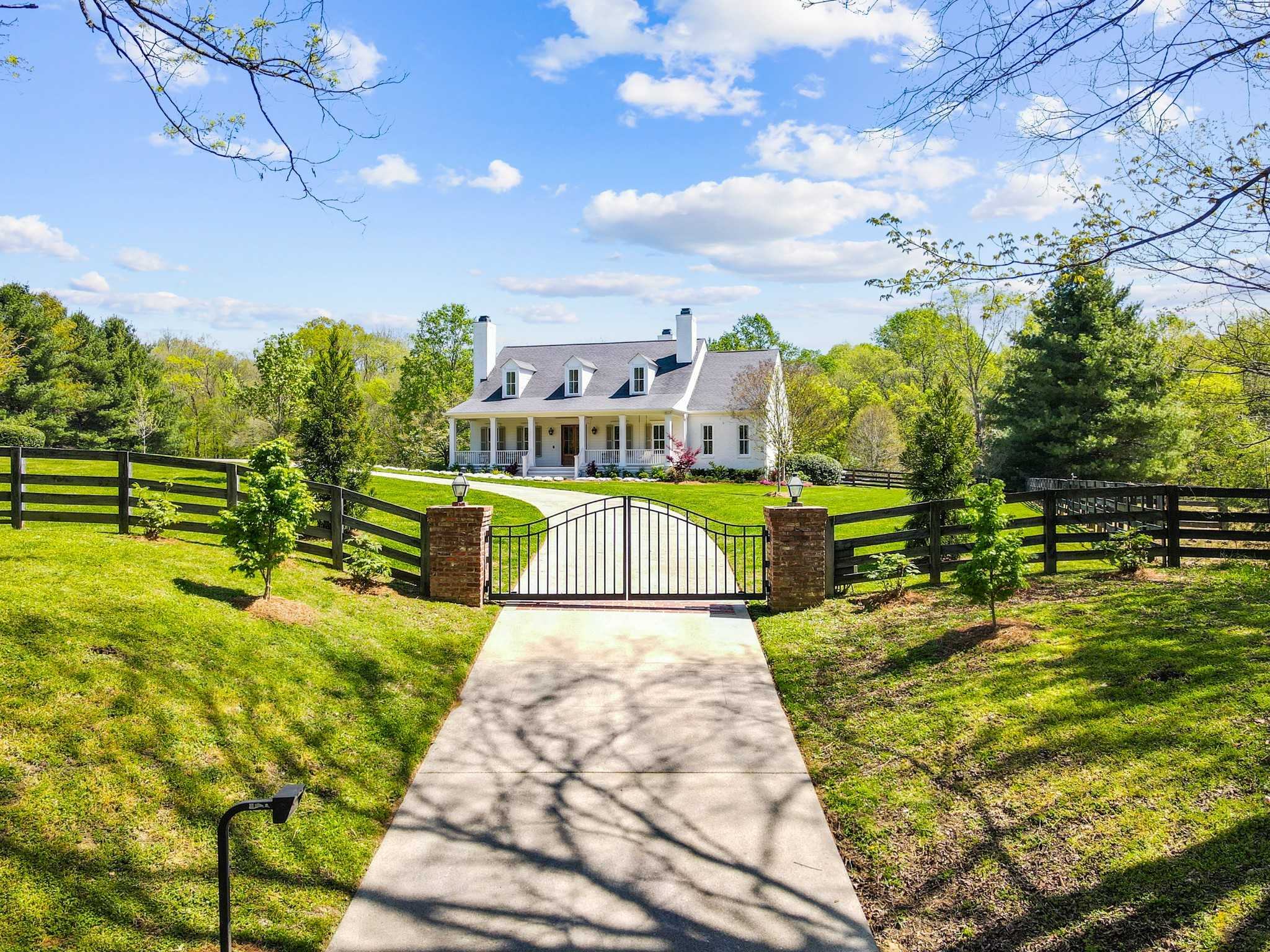 $3,300,000 - 4Br/4Ba -  for Sale in None, Brentwood