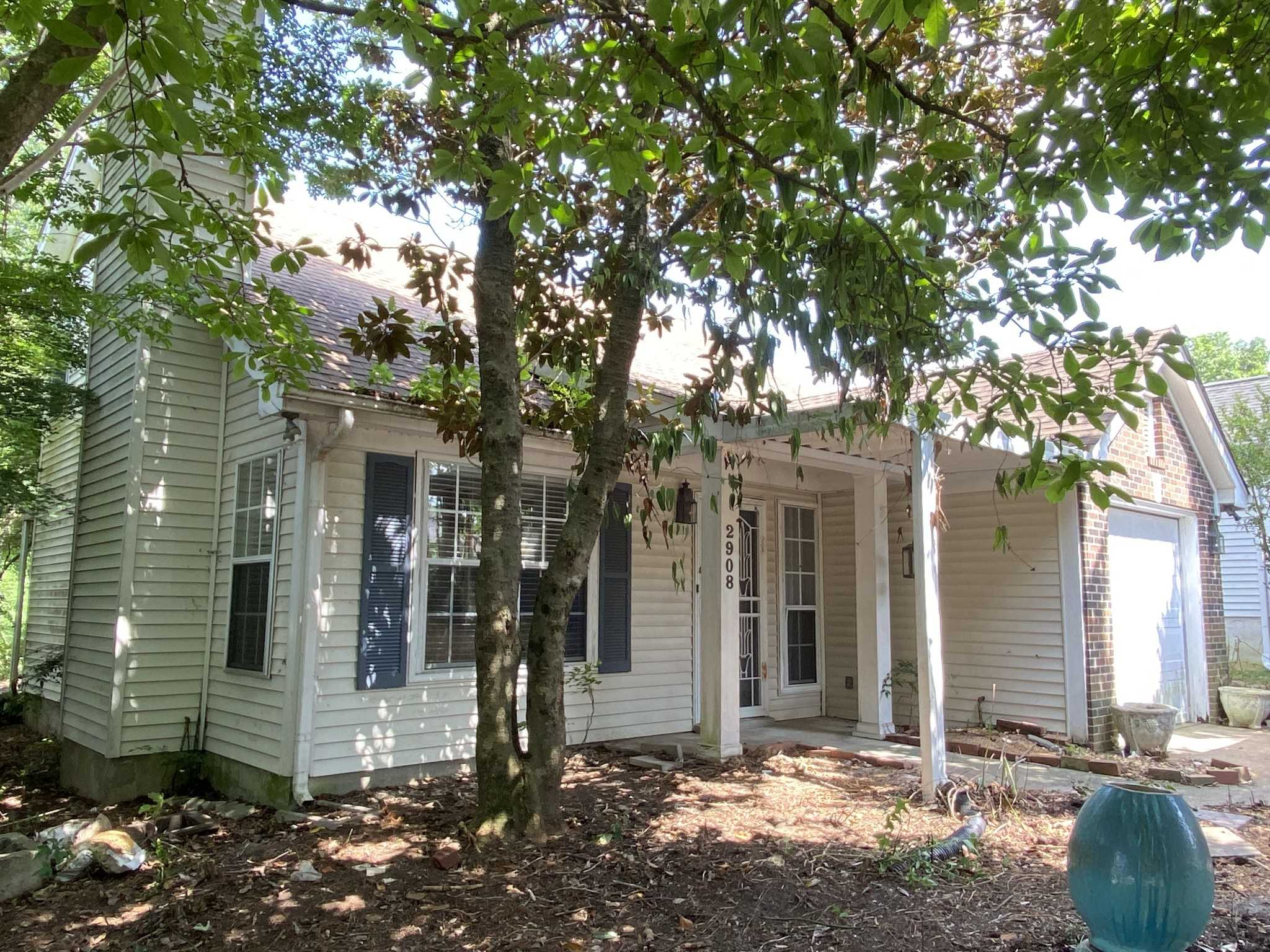 - 3Br/2Ba -  for Sale in River Trace Estates, Nashville