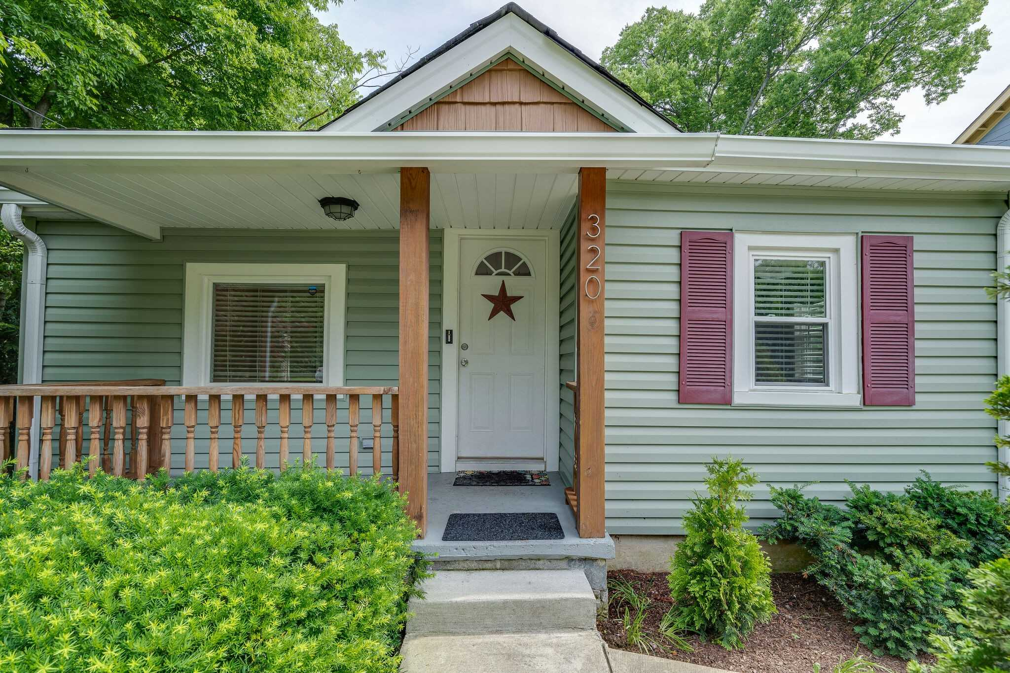 - 3Br/3Ba -  for Sale in Trinity Heights, Nashville