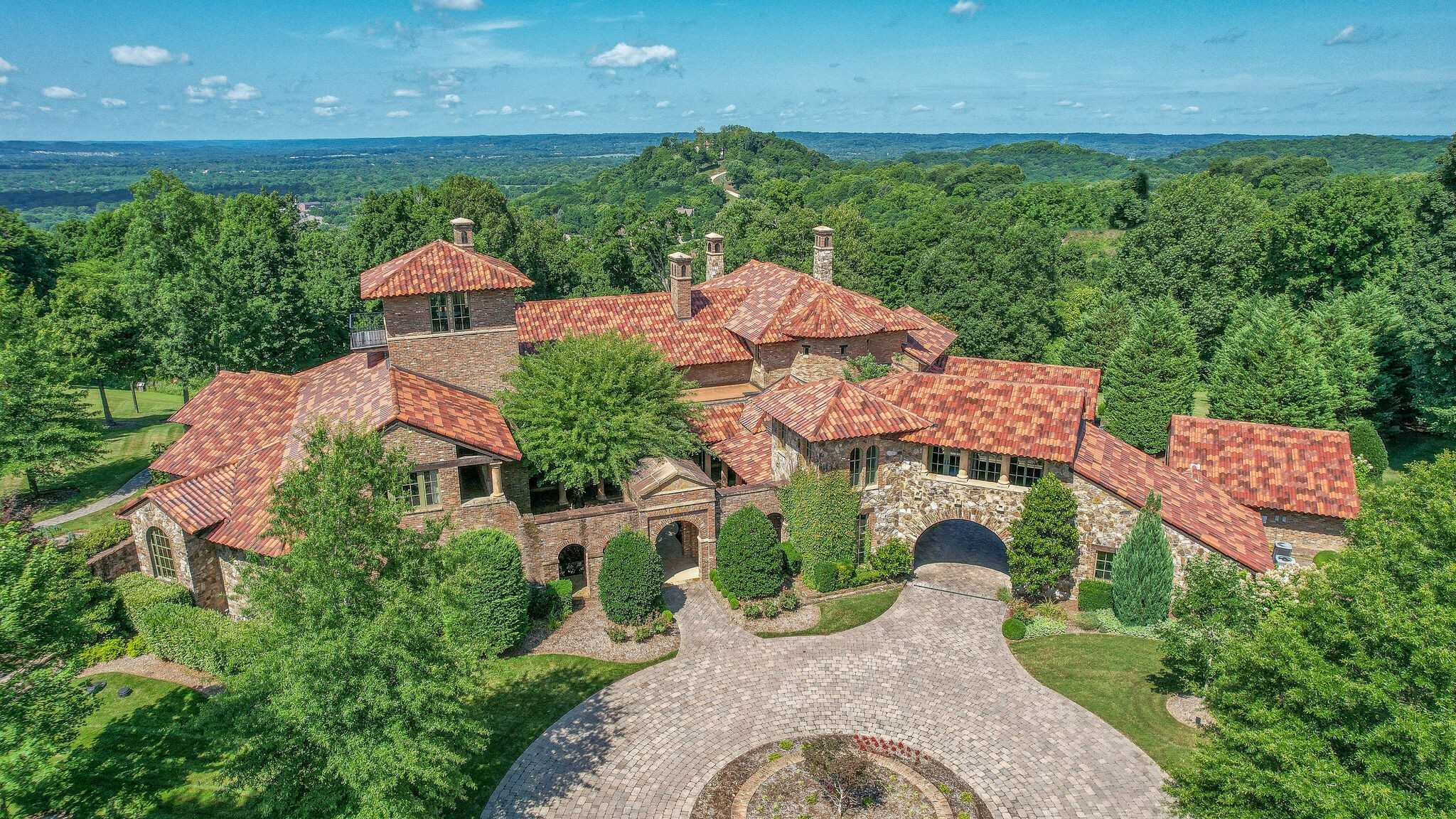 $13,999,999 - 4Br/9Ba -  for Sale in Belle Vista Of Legends, Franklin