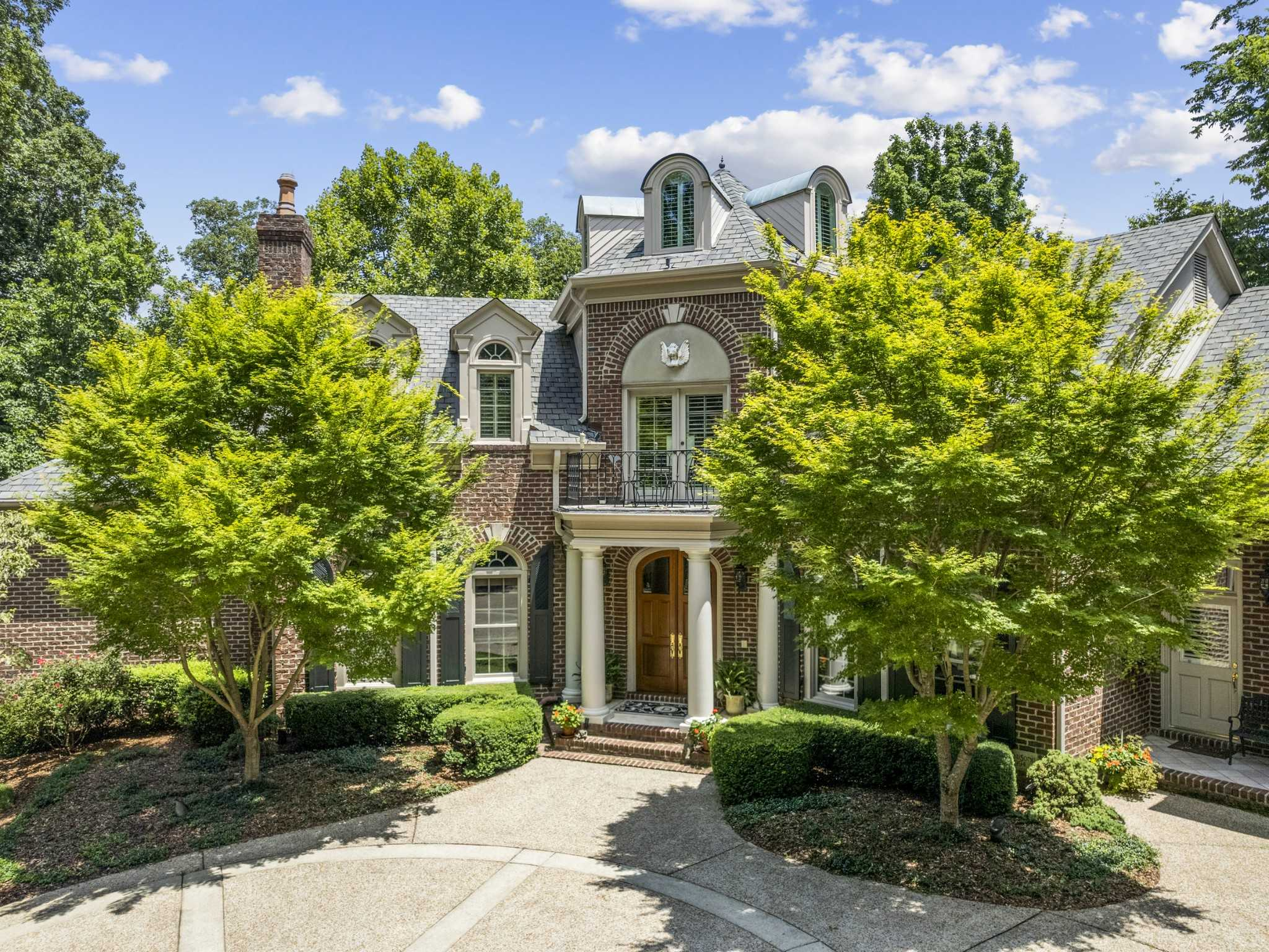 $4,500,000 - 5Br/8Ba -  for Sale in Forest Hills, Brentwood