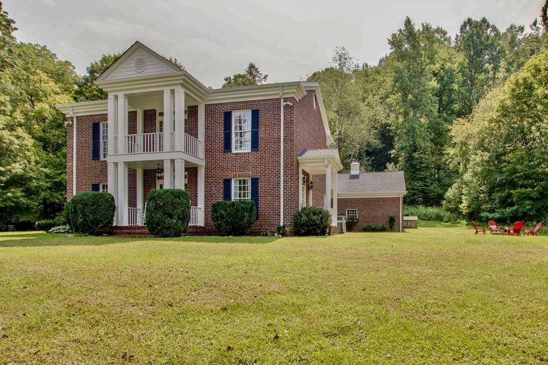 $2,700,000 - 3Br/4Ba -  for Sale in Leipers Fork Community, Franklin