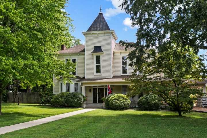 $2,750,000 - 4Br/5Ba -  for Sale in Historic Downtown Franklin, Franklin