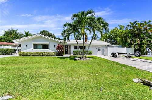 $749,900 - 4Br/3Ba -  for Sale in Edgemere Park, Fort Myers