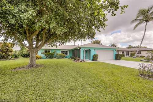 $579,950 - 3Br/2Ba -  for Sale in Meadowlark Estates, Bonita Springs