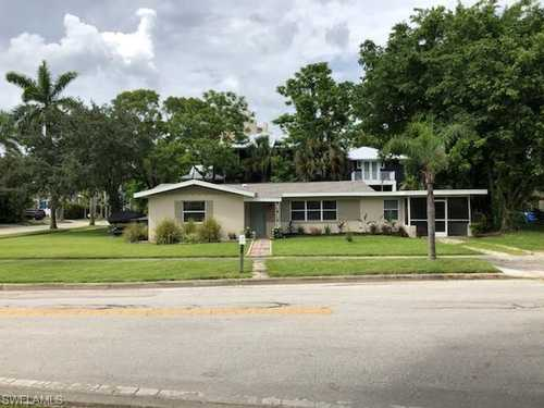 $269,900 - 2Br/1Ba -  for Sale in Dean Park, Fort Myers