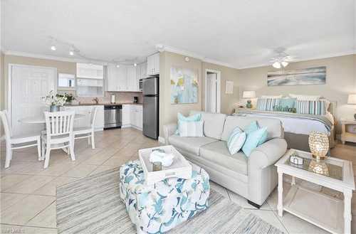 $384,000 - 1Br/1Ba -  for Sale in Beach And Tennis Club, Bonita Springs