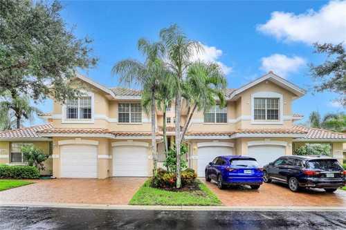 $499,900 - 3Br/2Ba -  for Sale in Southbridge, Bonita Springs