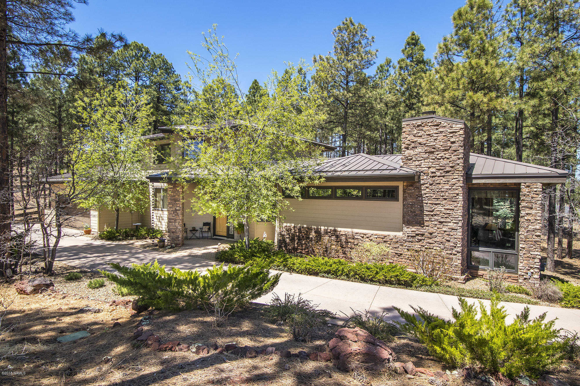 $690,000 - 3Br/3Ba -  for Sale in Flagstaff