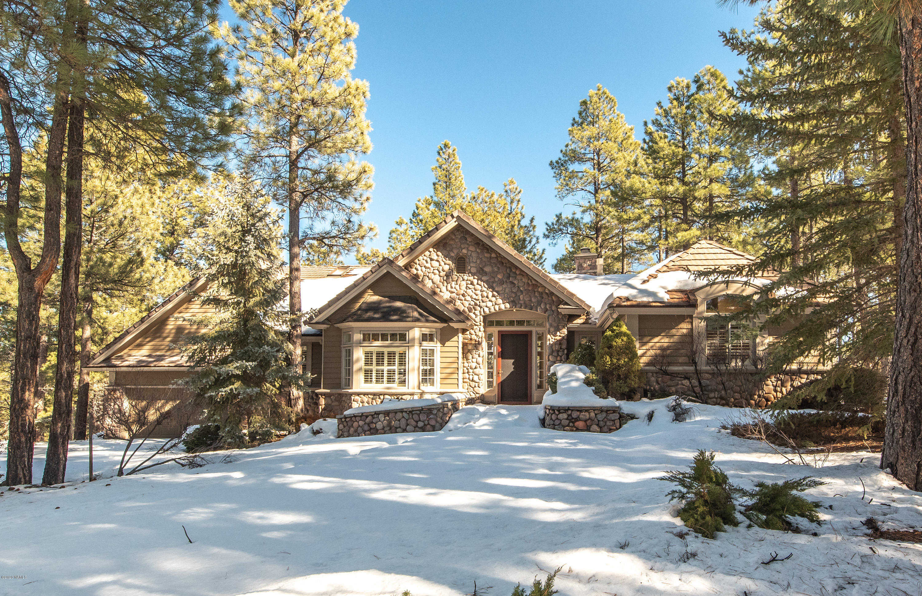 $998,000 - 4Br/4Ba -  for Sale in Flagstaff