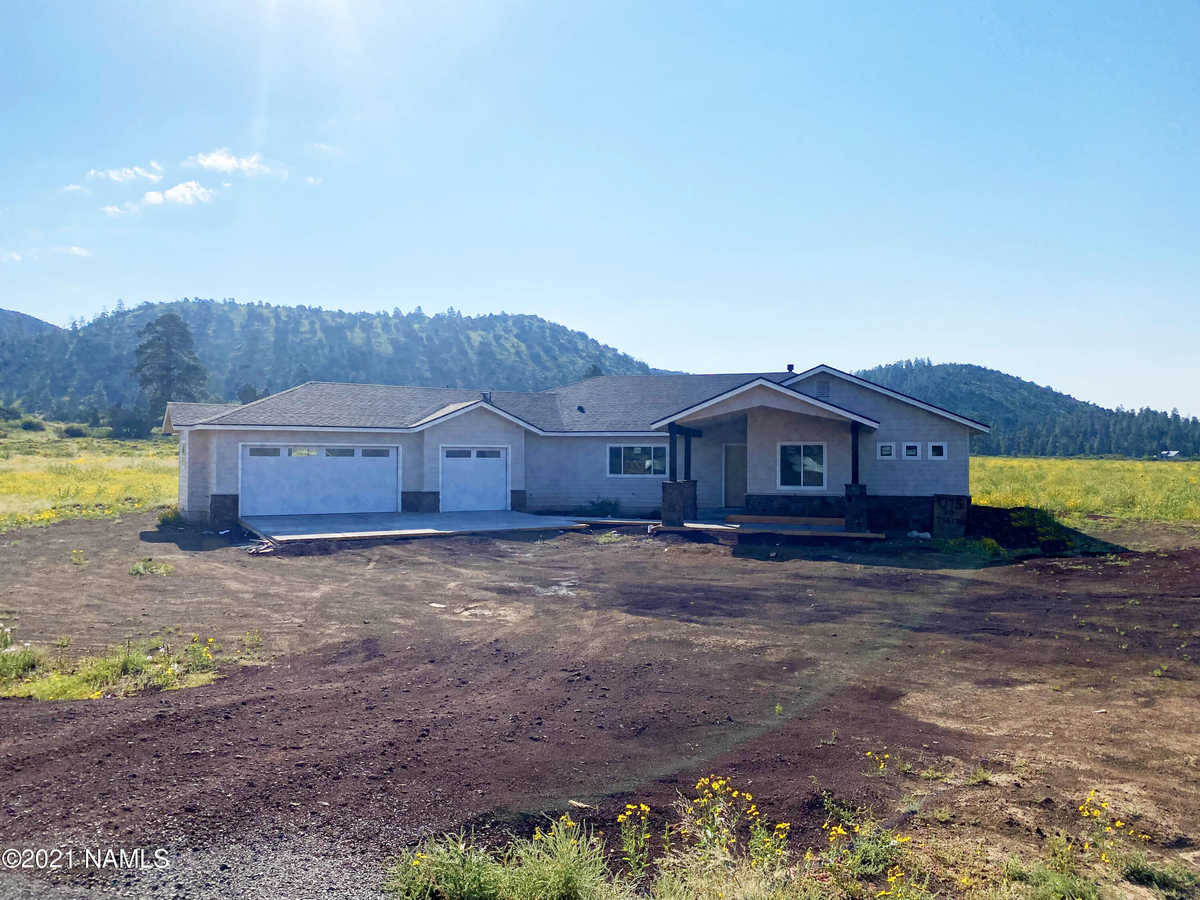 $1,089,000 - 4Br/3Ba -  for Sale in Flagstaff