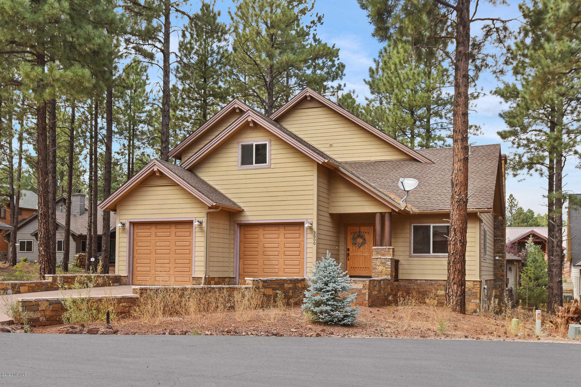 $979,000 - 4Br/3Ba -  for Sale in Flagstaff
