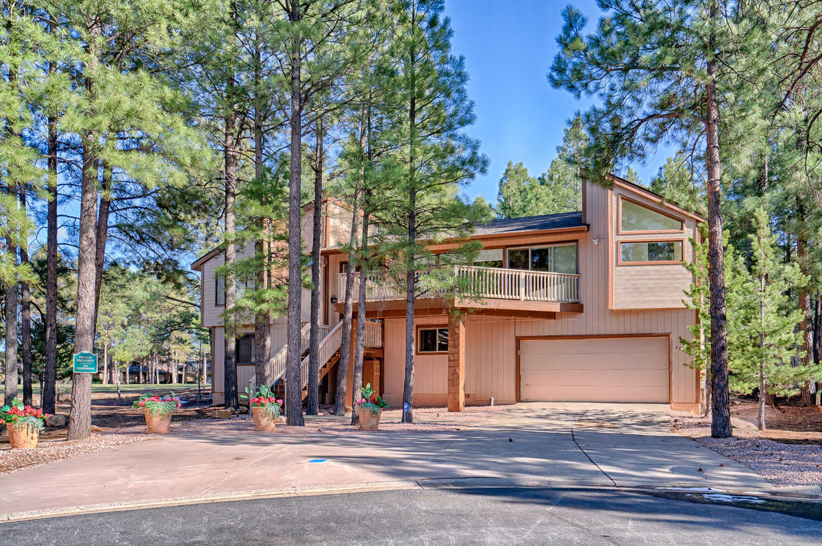 $1,025,000 - 4Br/4Ba -  for Sale in Flagstaff