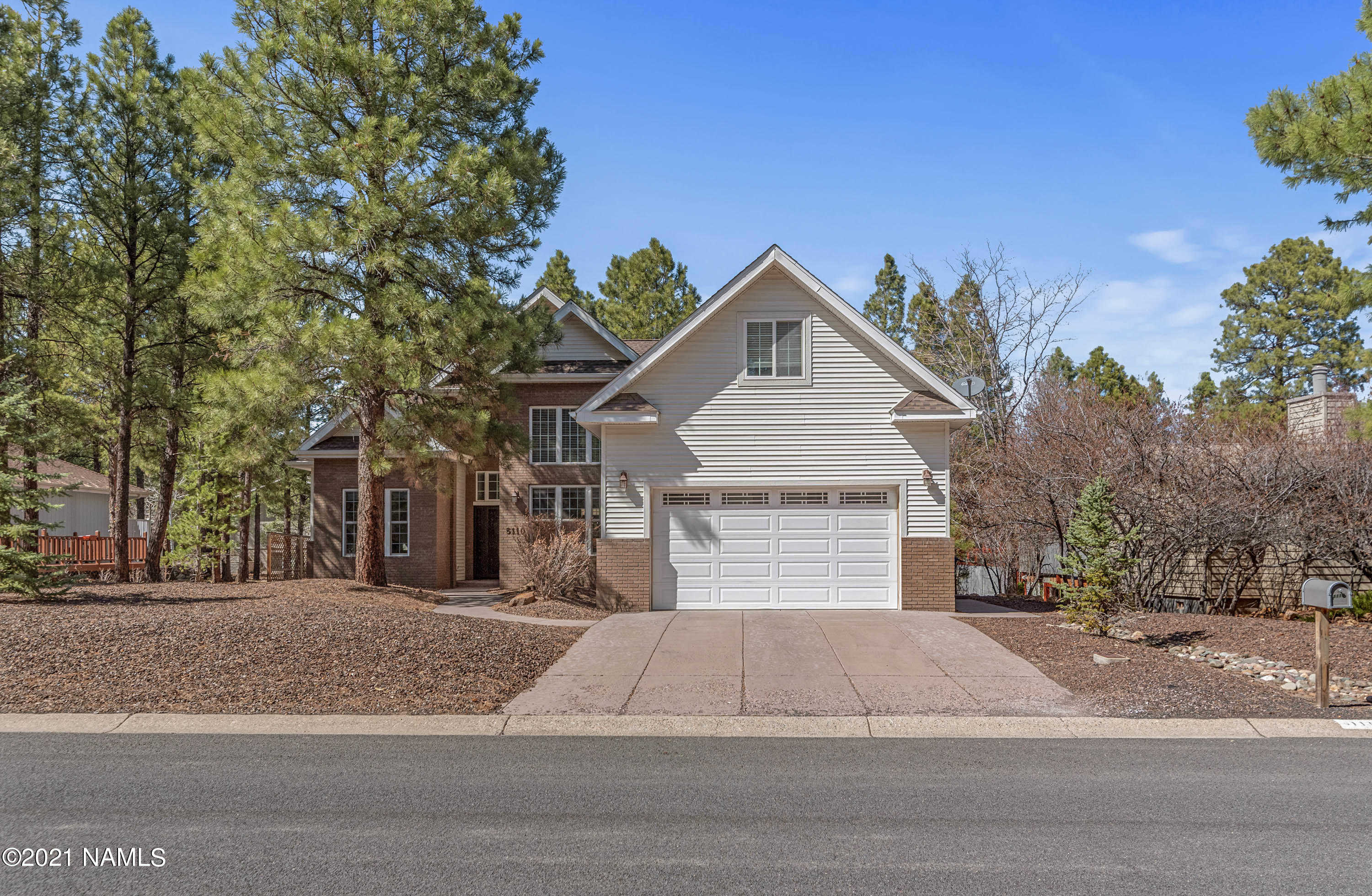 $870,000 - 4Br/5Ba -  for Sale in Flagstaff