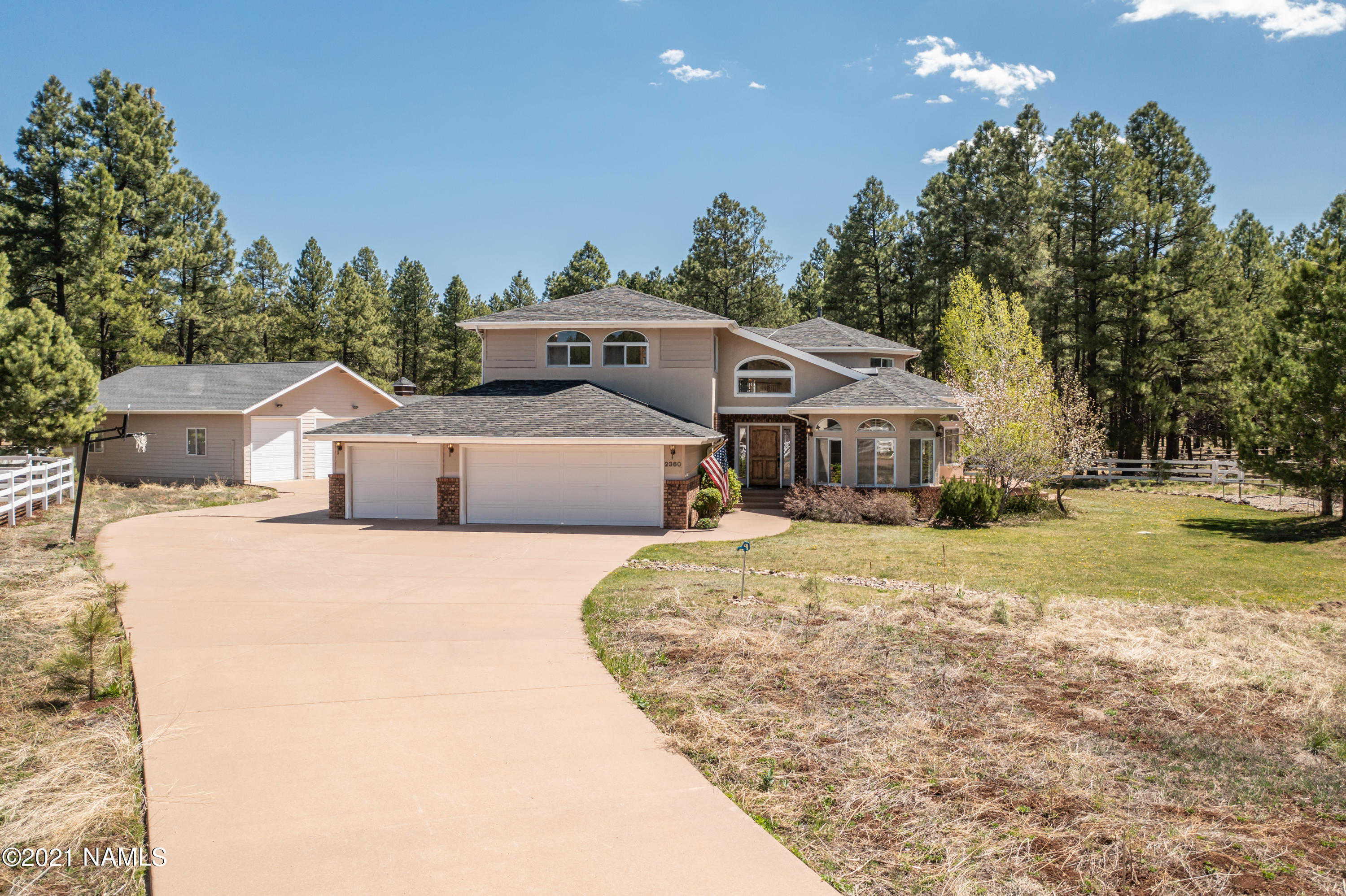 $2,100,000 - 6Br/4Ba -  for Sale in Flagstaff