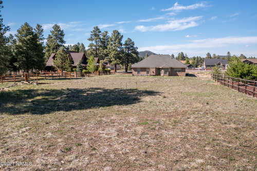 $650,000 - 4Br/3Ba -  for Sale in Williams