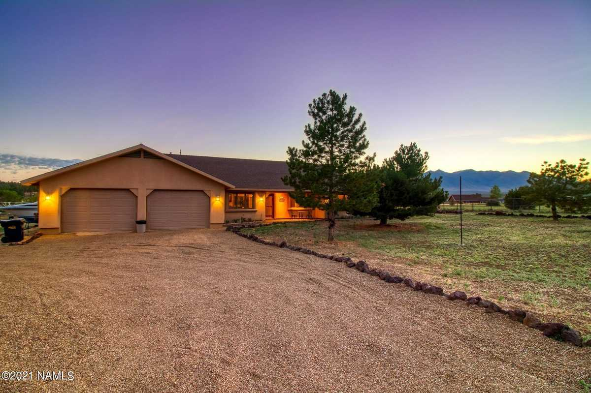 $762,000 - 4Br/2Ba -  for Sale in Flagstaff