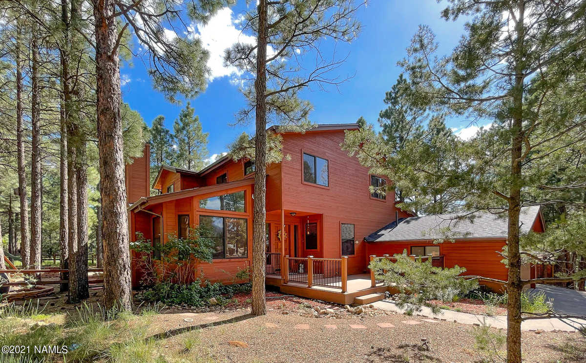 $794,000 - 4Br/3Ba -  for Sale in Flagstaff
