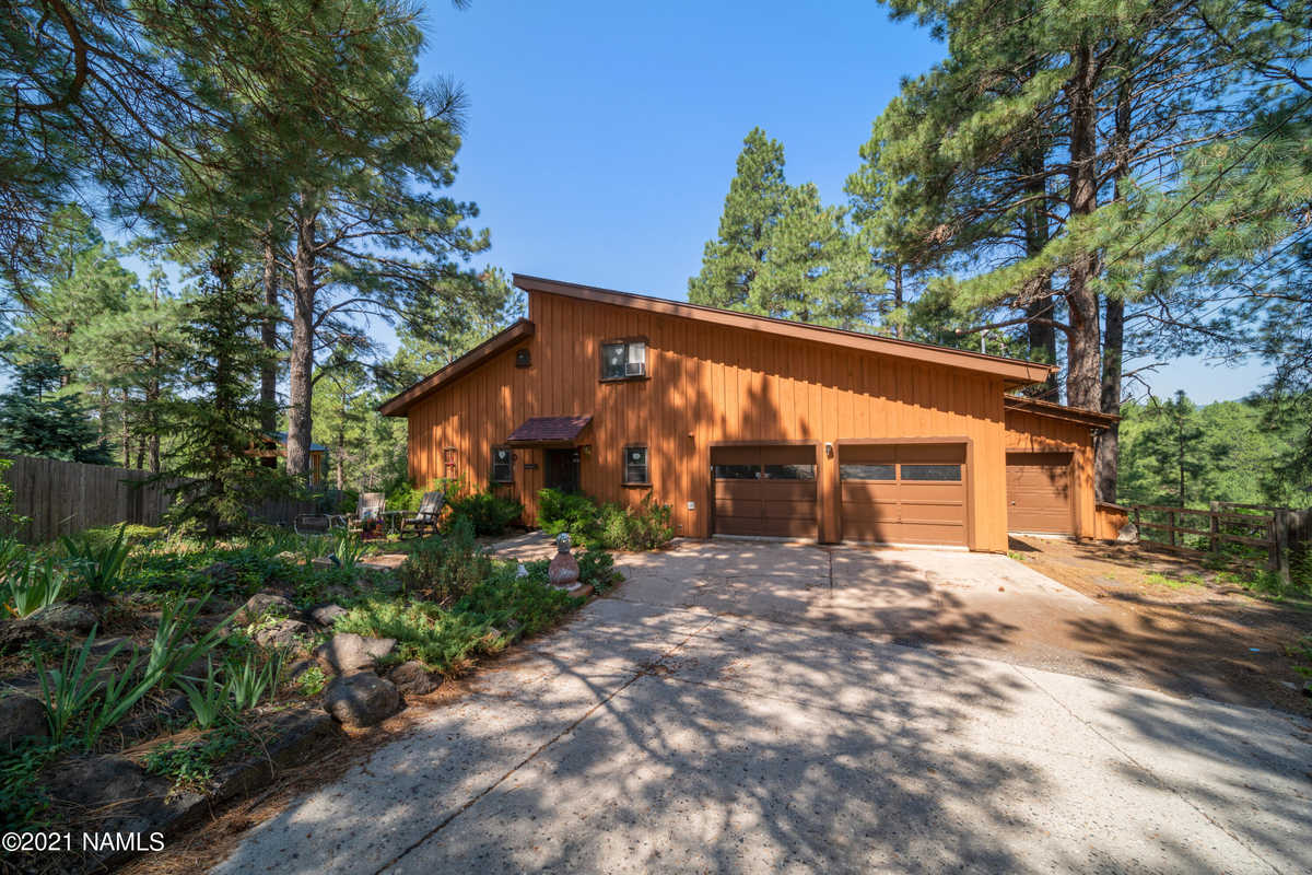 $698,900 - 4Br/3Ba -  for Sale in Flagstaff