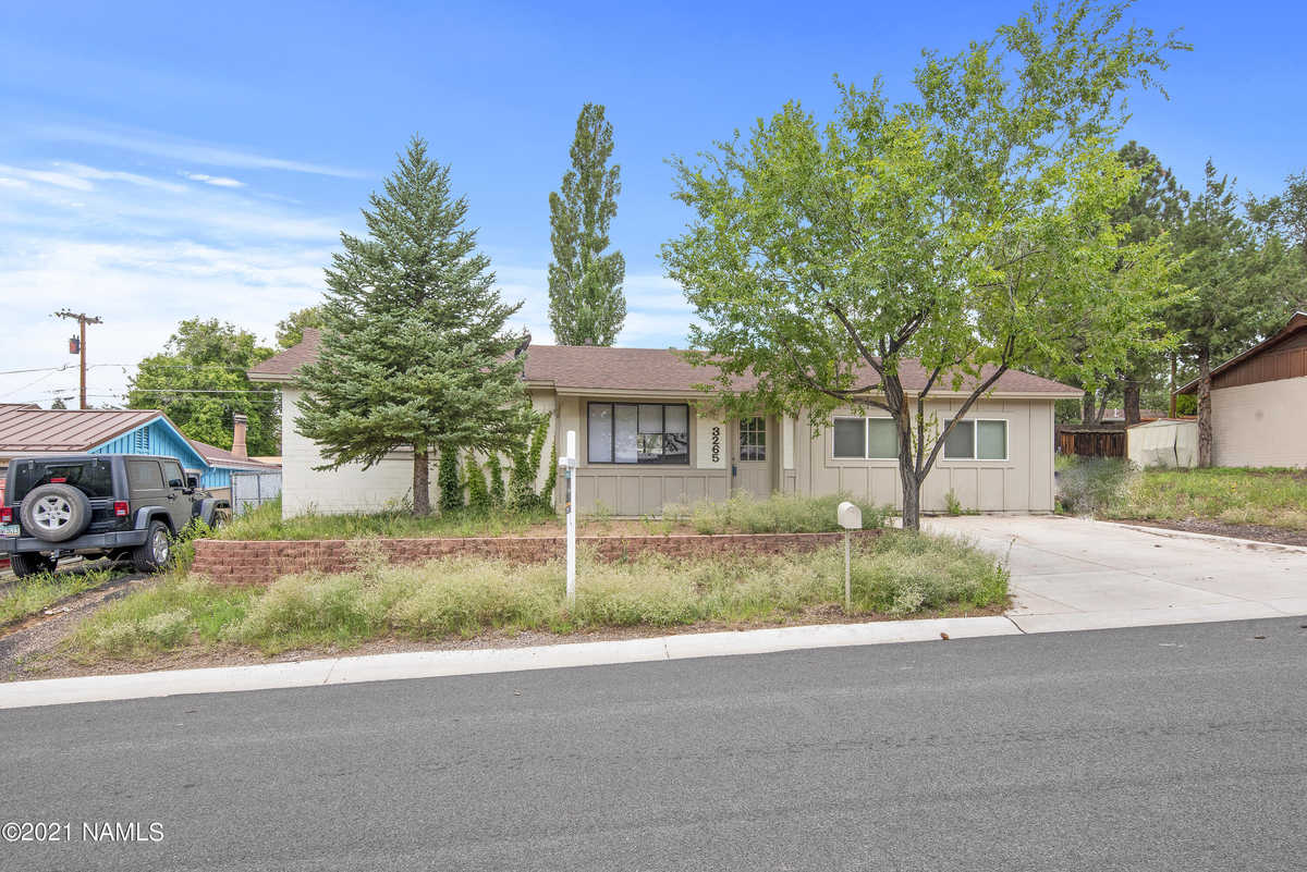$459,350 - 3Br/2Ba -  for Sale in Flagstaff