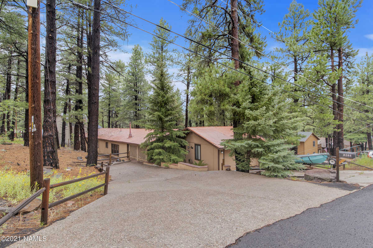 $350,000 - 4Br/2Ba -  for Sale in Flagstaff