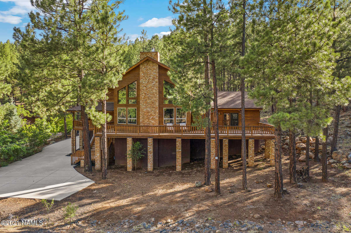 $1,699,000 - 7Br/6Ba -  for Sale in Flagstaff