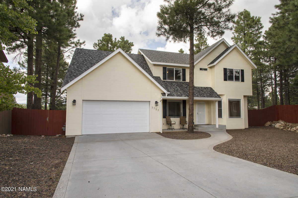 $730,000 - 5Br/3Ba -  for Sale in Flagstaff