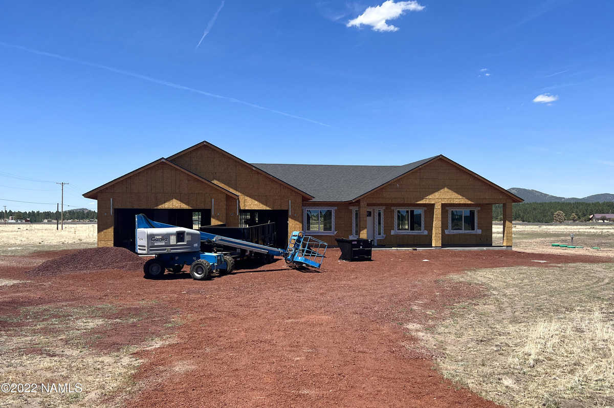 $1,150,000 - 4Br/3Ba -  for Sale in Williams