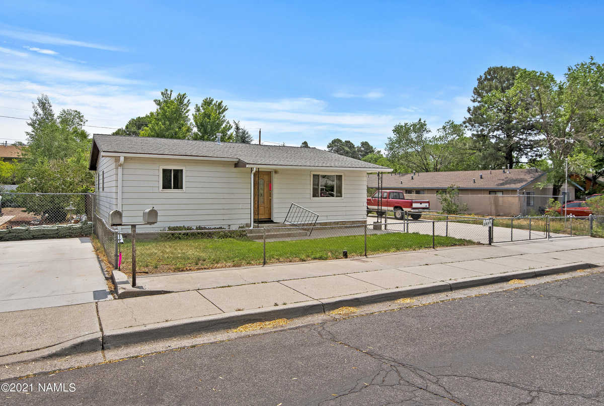 $399,000 - 3Br/2Ba -  for Sale in Flagstaff