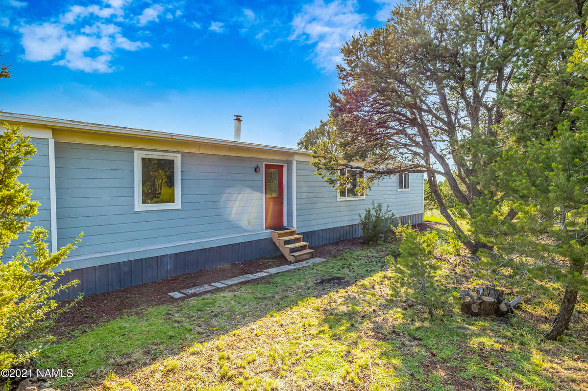 $319,900 - 3Br/2Ba -  for Sale in Williams