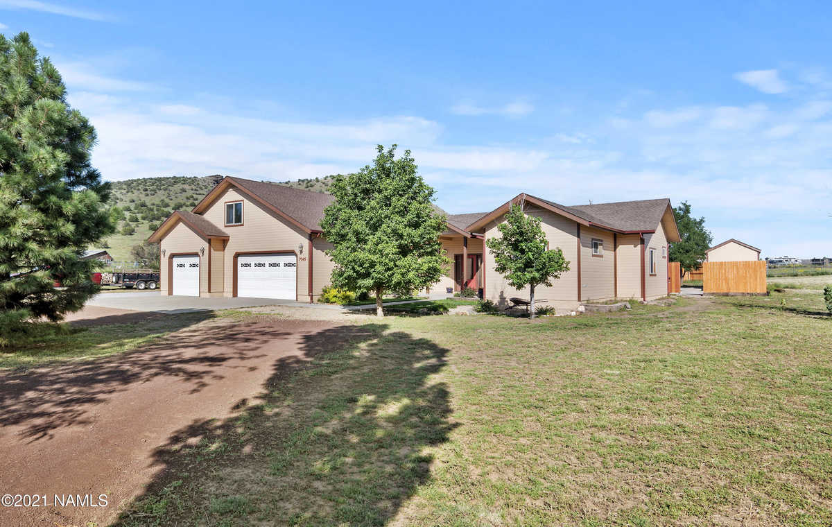 $650,000 - 4Br/3Ba -  for Sale in Flagstaff
