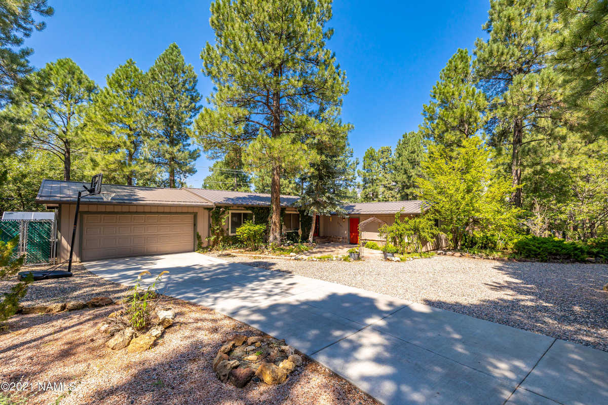 $799,000 - 3Br/2Ba -  for Sale in Flagstaff