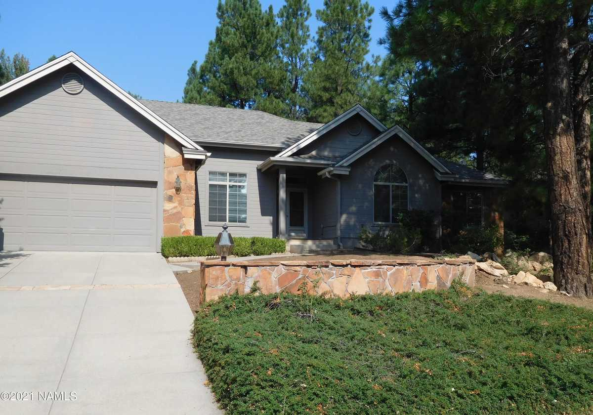 $800,000 - 3Br/2Ba -  for Sale in Flagstaff