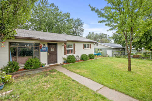$435,000 - 3Br/2Ba -  for Sale in Flagstaff