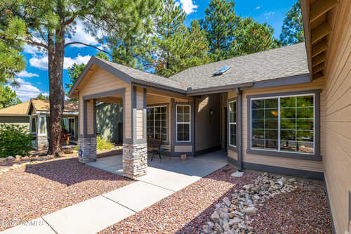 $525,000 - 3Br/2Ba -  for Sale in Flagstaff