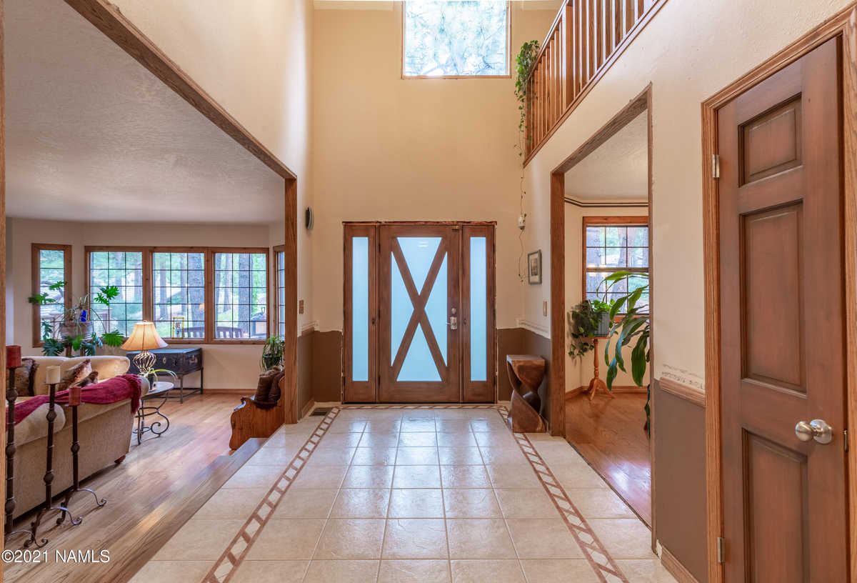 $1,100,000 - 3Br/4Ba -  for Sale in Flagstaff