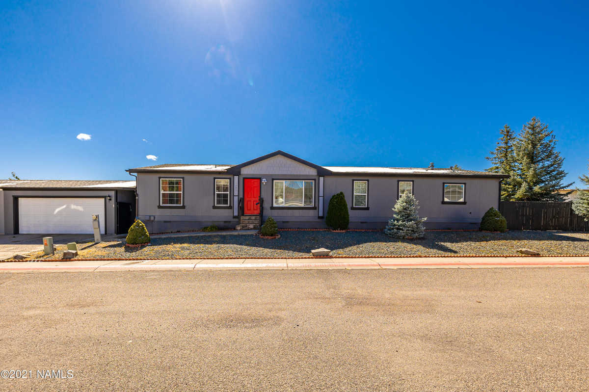 $405,000 - 4Br/2Ba -  for Sale in Flagstaff