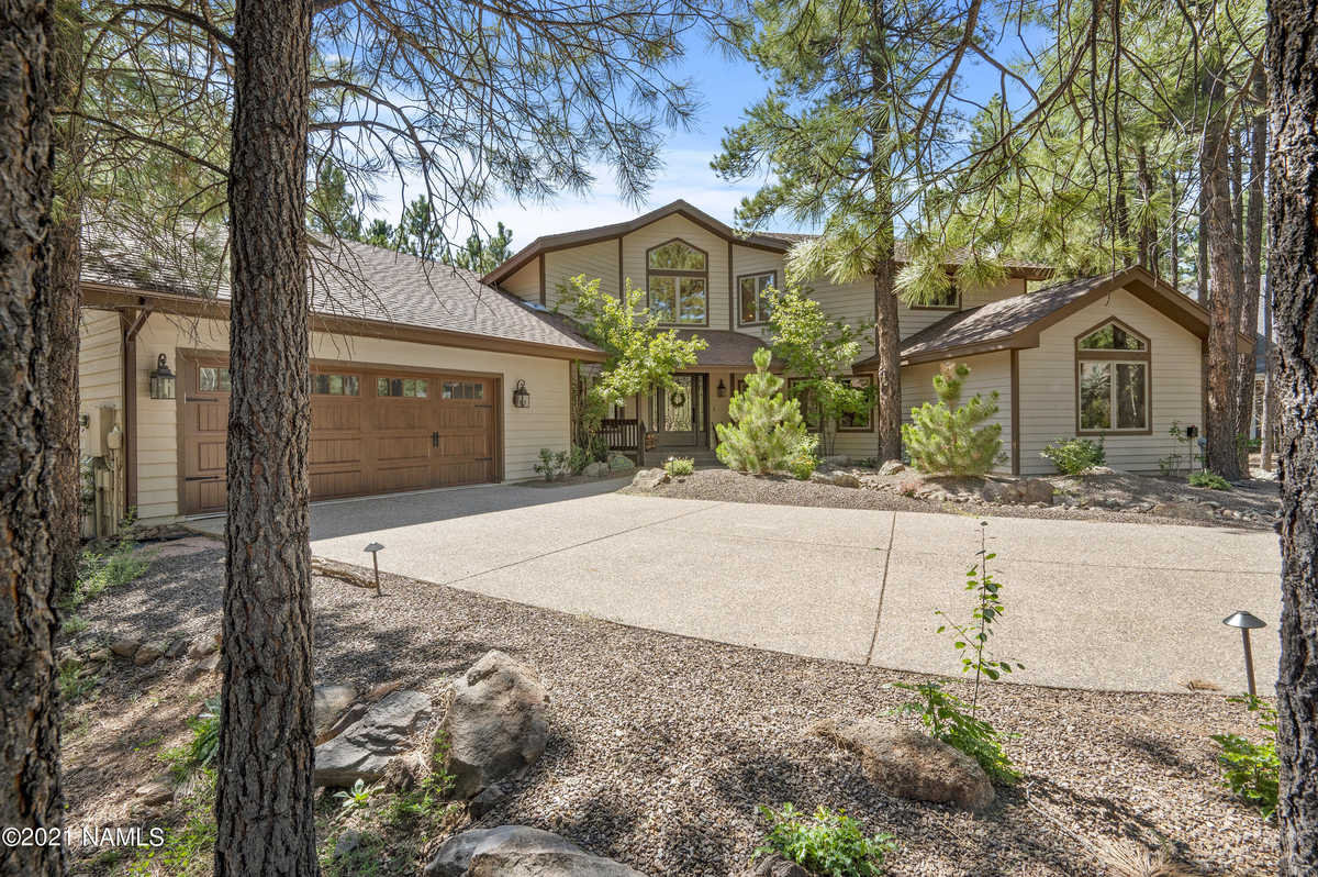 $1,295,000 - 3Br/4Ba -  for Sale in Flagstaff