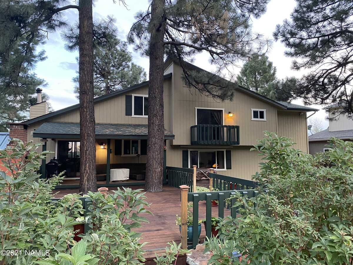 $900,000 - 4Br/3Ba -  for Sale in Flagstaff