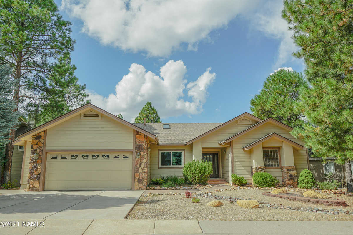 $786,000 - 3Br/3Ba -  for Sale in Flagstaff