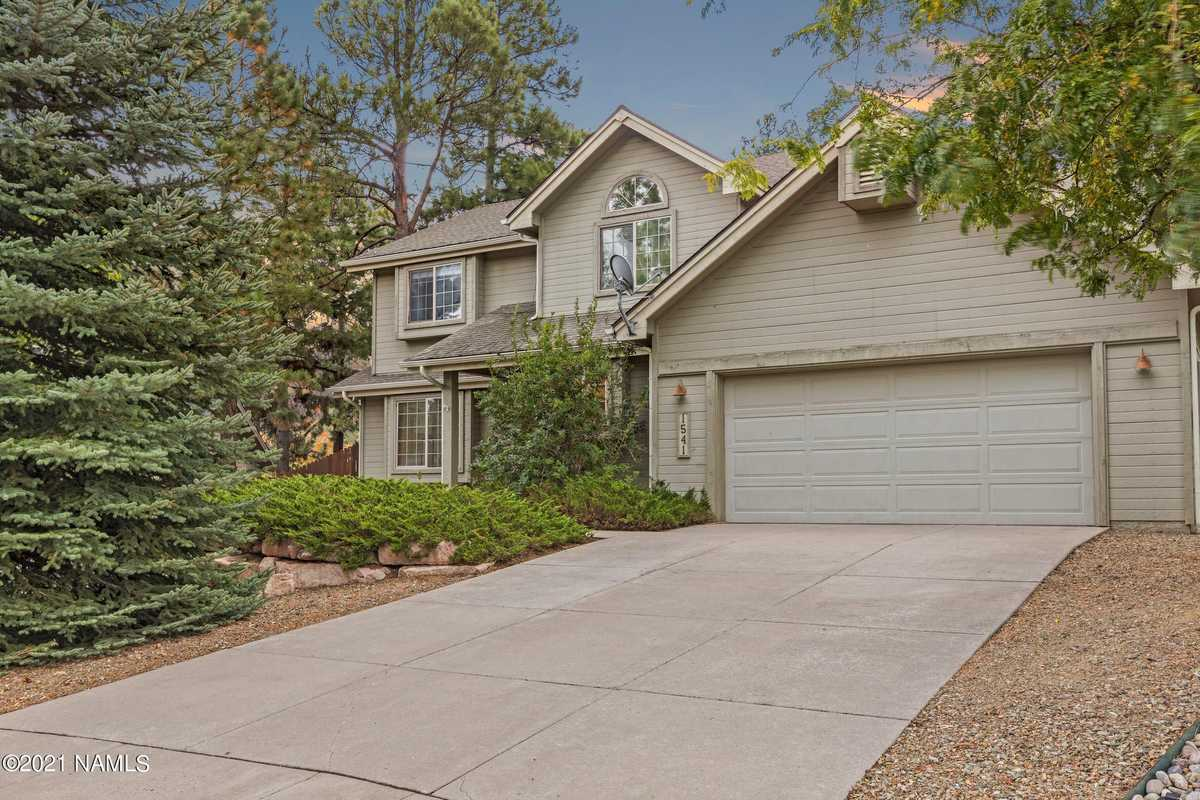 $735,000 - 4Br/3Ba -  for Sale in Flagstaff