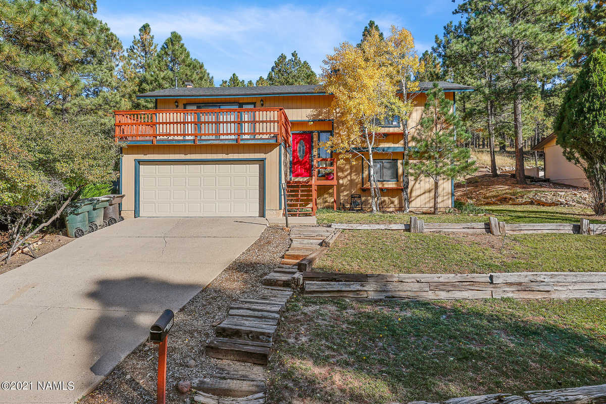 $600,000 - 4Br/2Ba -  for Sale in Flagstaff