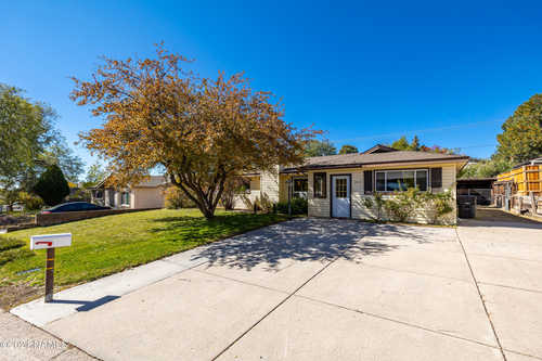 $475,000 - 4Br/2Ba -  for Sale in Flagstaff
